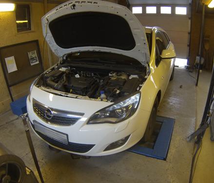 Opel Astra J 1,6 turbó tuning